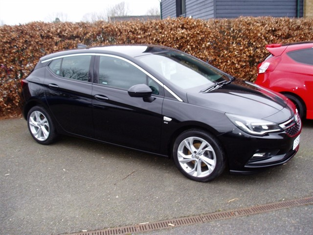 used Vauxhall Astra SRI NAV in lawford-manningtree