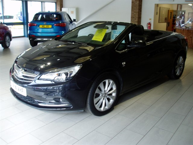 used Vauxhall Cascada ELITE in lawford-manningtree