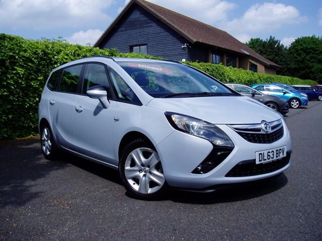 used Vauxhall Zafira Tourer EXCLUSIV CDTI in lawford-manningtree