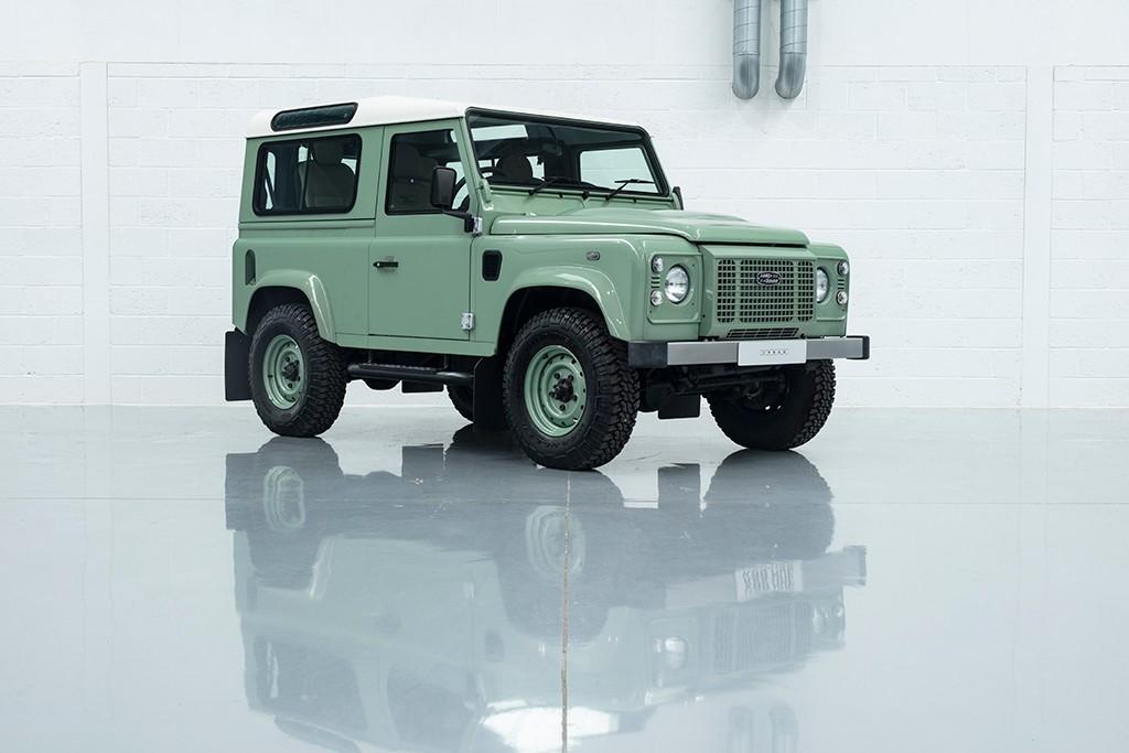 used Land Rover Defender TD HERITAGE STATION WAGON in milton-keynes-buckinghamshire