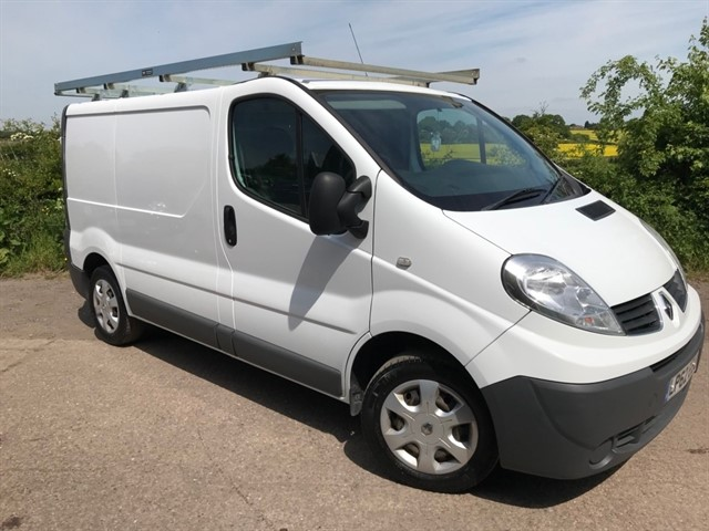 used Renault Trafic dCi eco SL27 Phase 3 Panel Van 3dr (EU5, Nav) in west-midlands