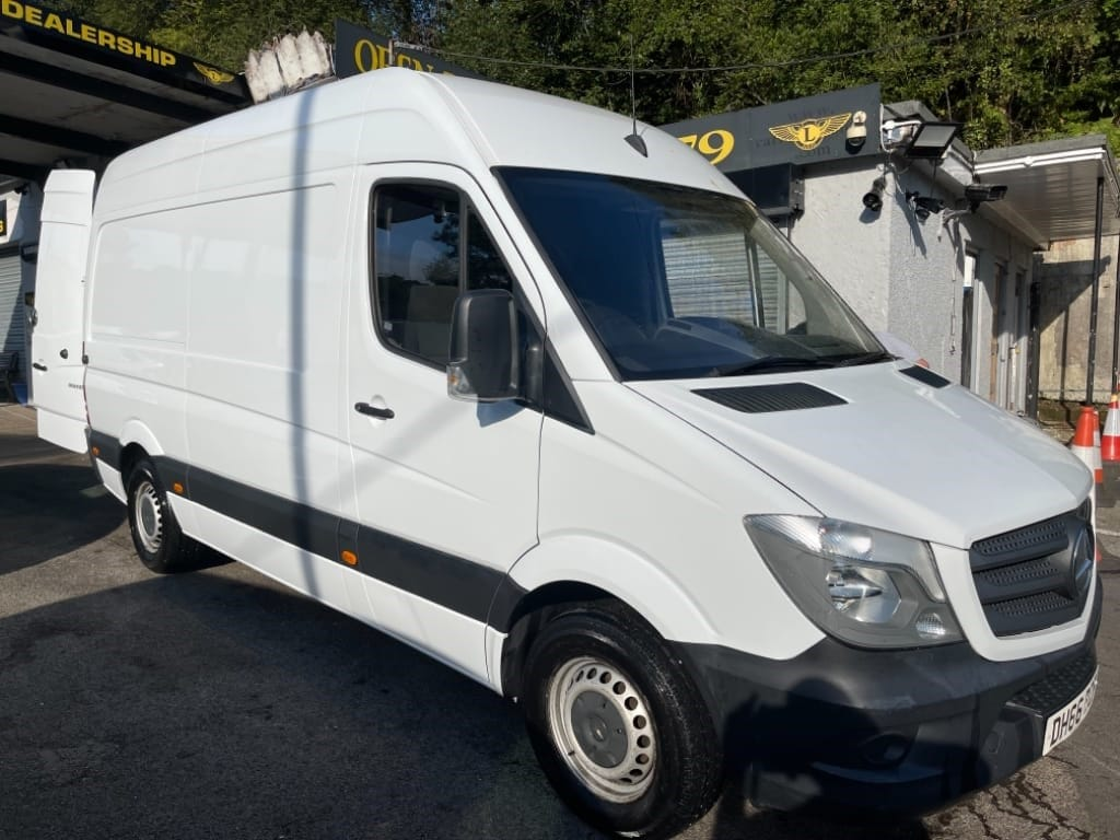 used Mercedes Sprinter 313 CDI / MWB / HIGH ROOF in gwent