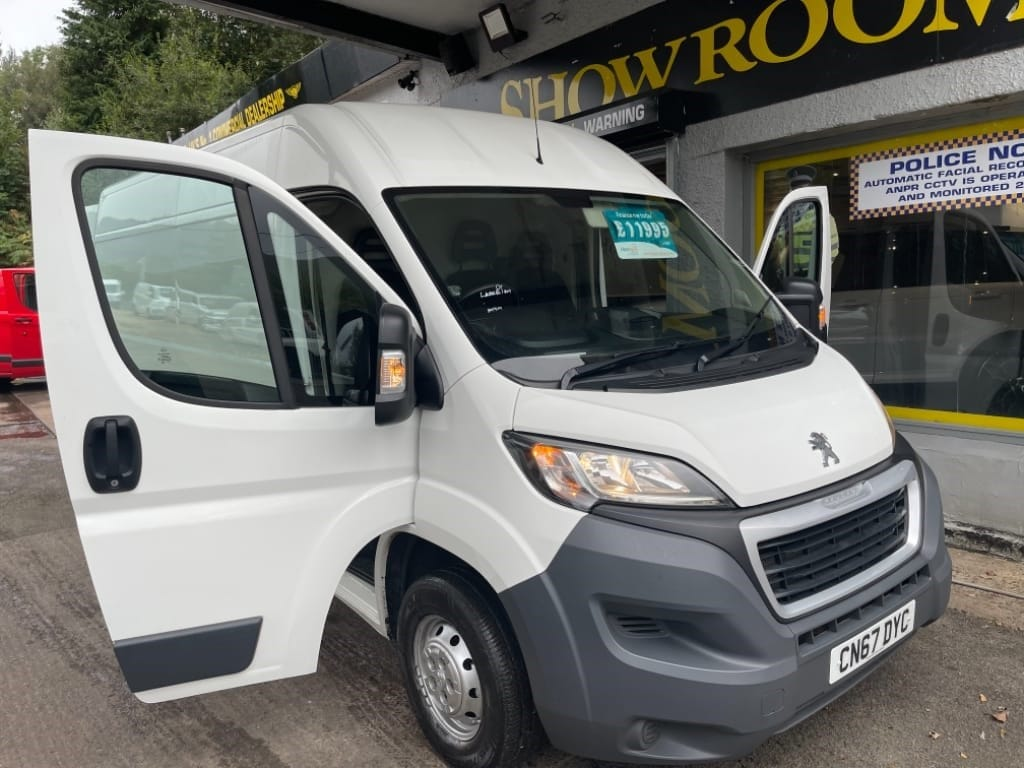 used Peugeot Boxer BLUE HDI 335 L3H2 PROFESSIONAL P/V / AUTO-AIR-CON in gwent