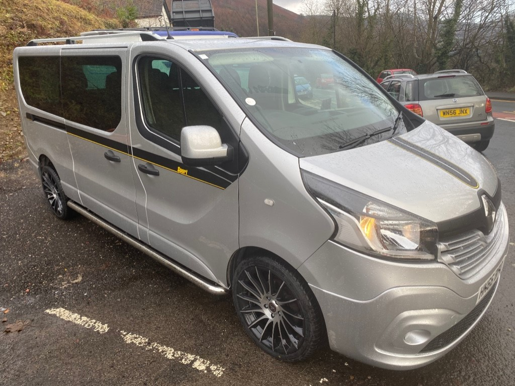 used Renault Trafic 1.6 LL29 BUSINESS 9 SEATER in gwent