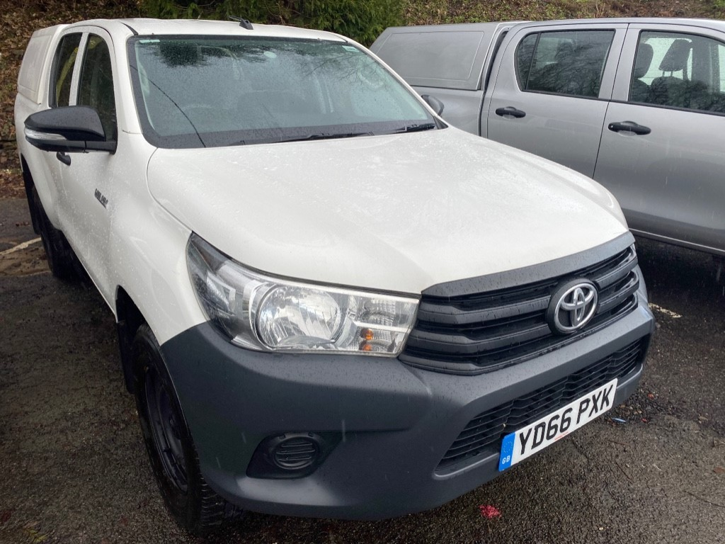 used Toyota Hilux ACTIVE 4WD D-4D DCB in gwent
