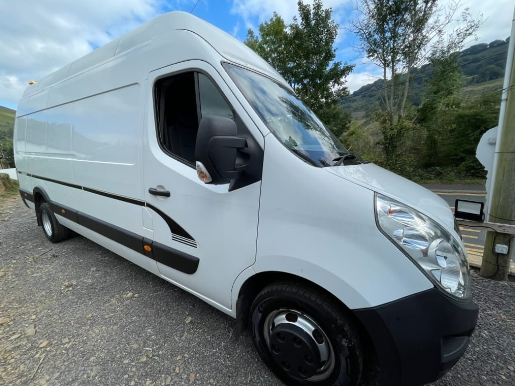 used Vauxhall Movano R3500 L4H3 P/V CDTI DRW/ TWIN WHEEL BASE in gwent