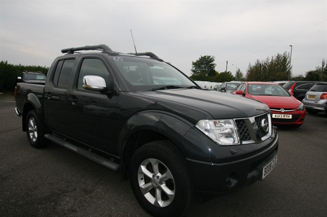 used Nissan Navara OUTLAW DCI 4X4 SWB SHR D/C in kent