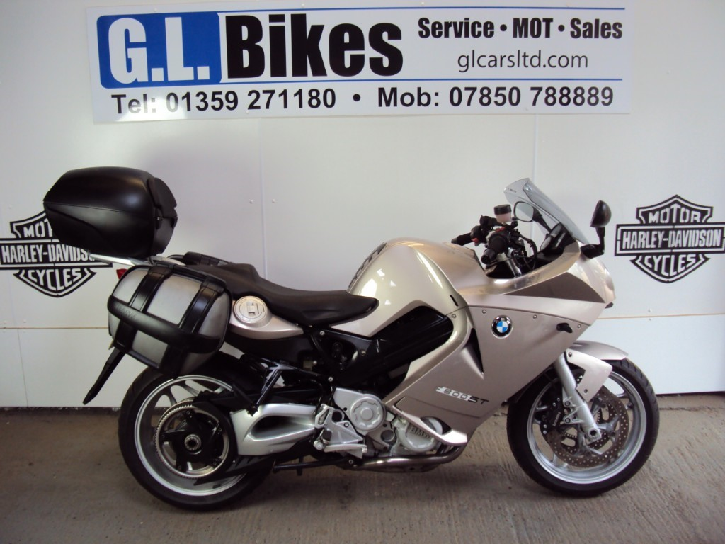 used BMW F800ST LOW SEAT in suffolk