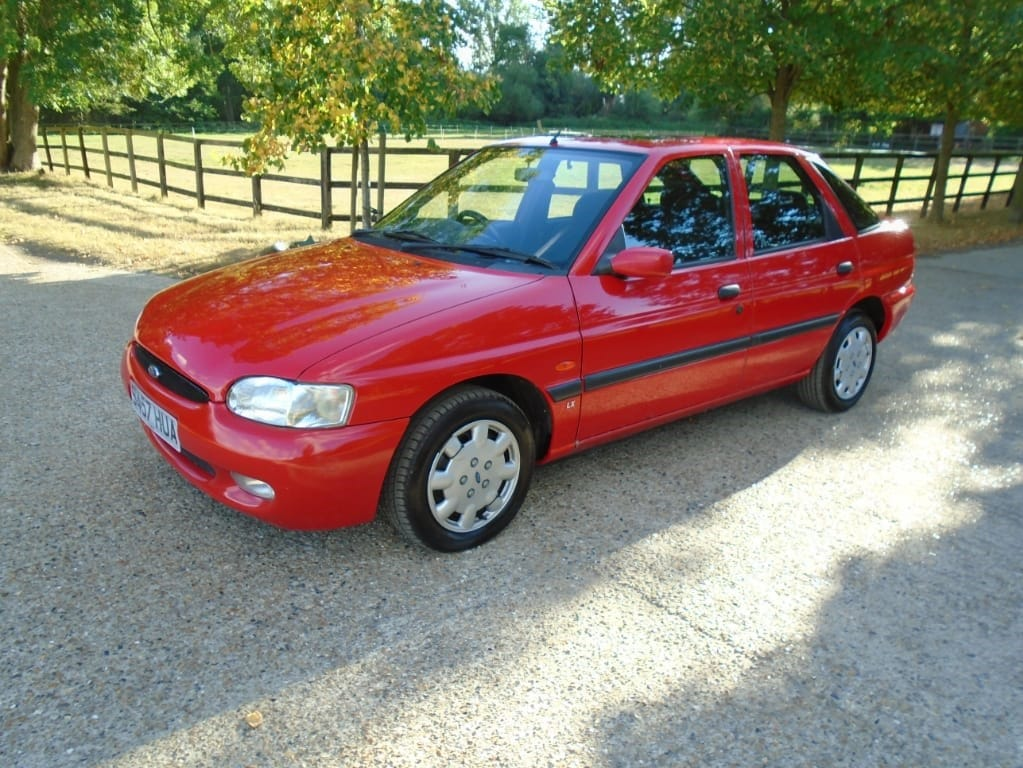 used Ford Escort LX in suffolk