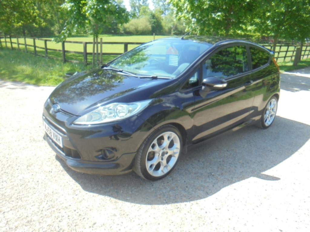 used Ford Fiesta ZETEC S in suffolk