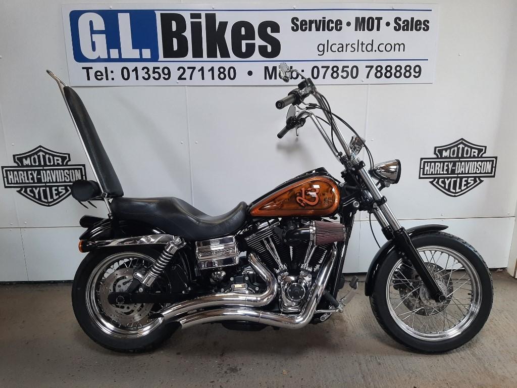 used Harley-Davidson Dyna SUPERGLIDE CUSTOM in suffolk