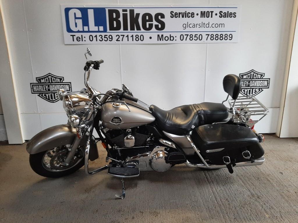 used Harley-Davidson Road King FLHR in suffolk