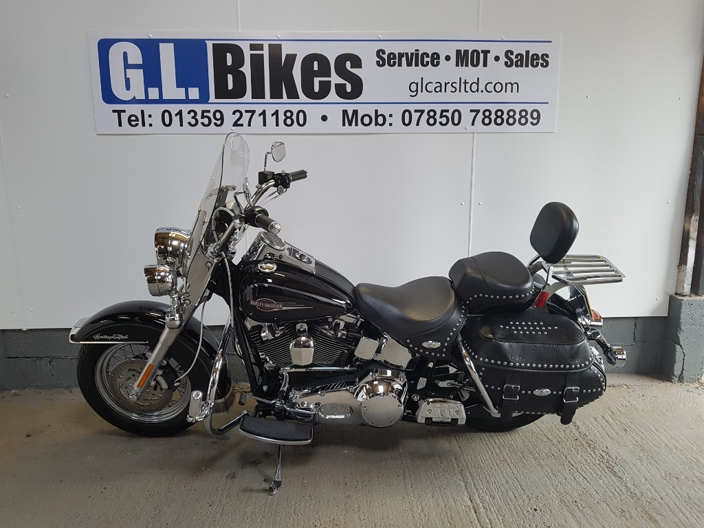used Harley-Davidson SOFTAIL HERITAGE SOFTAIL CLASSIC in suffolk