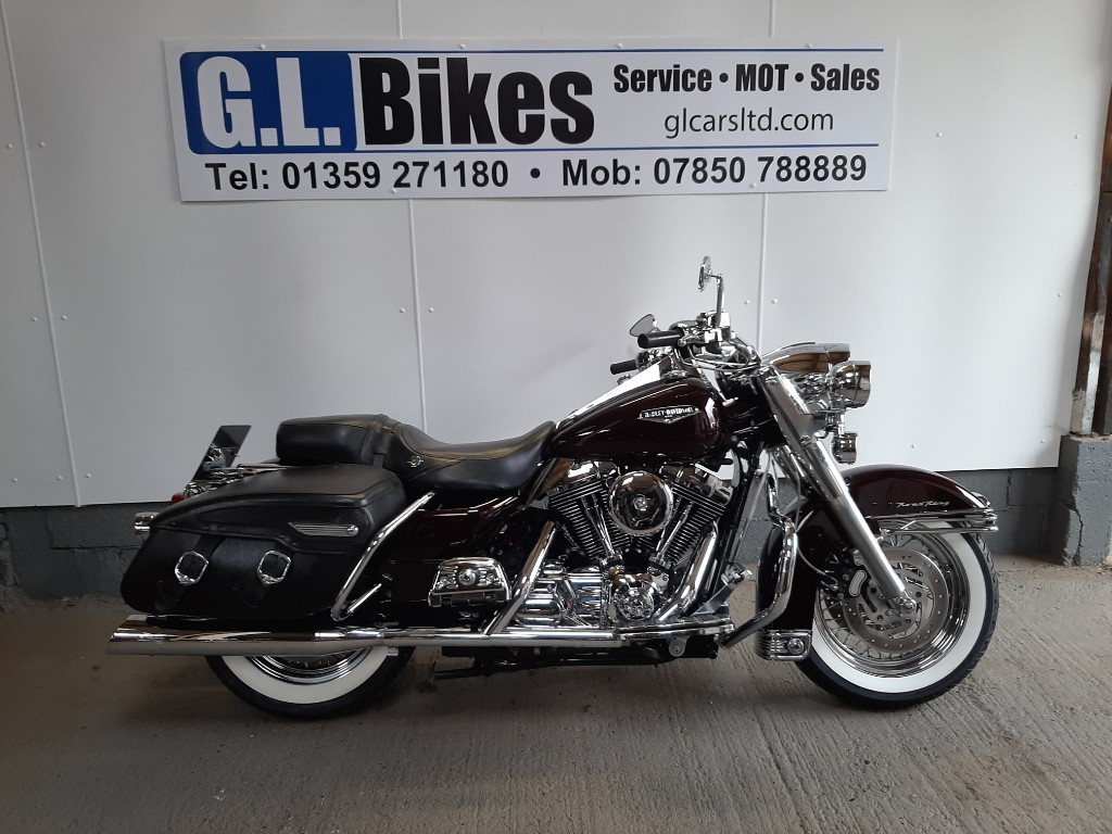 used Harley-Davidson Touring ROAD KING in suffolk