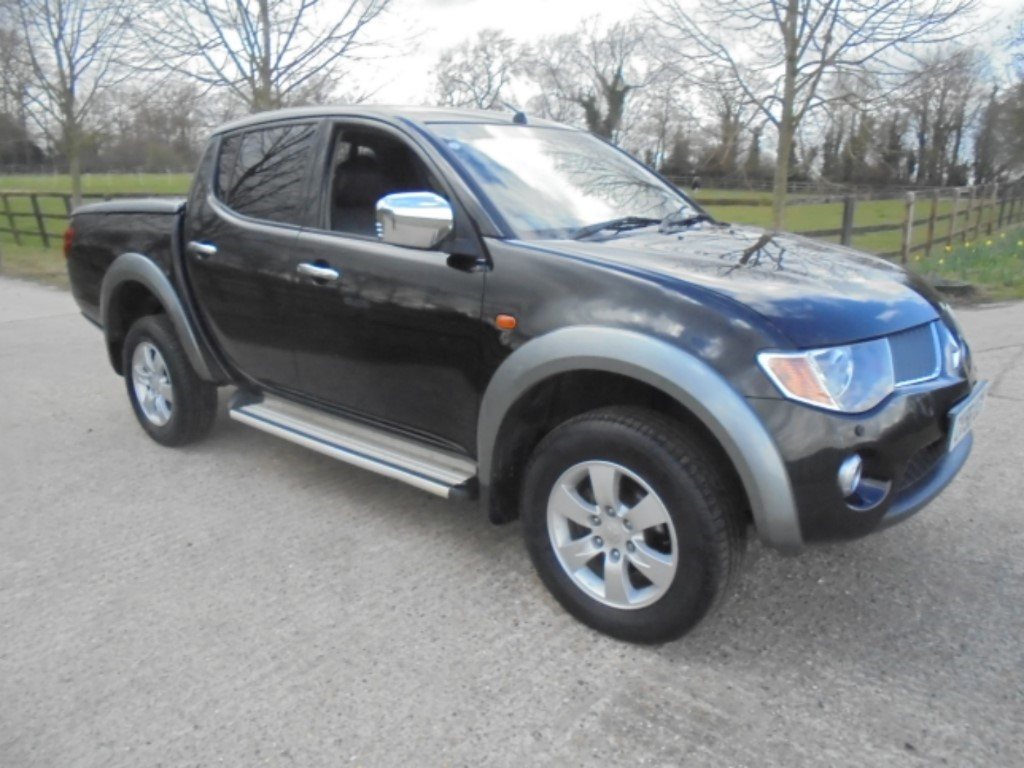 used Mitsubishi L200 4WD LWB ELEGANCE DCB in suffolk