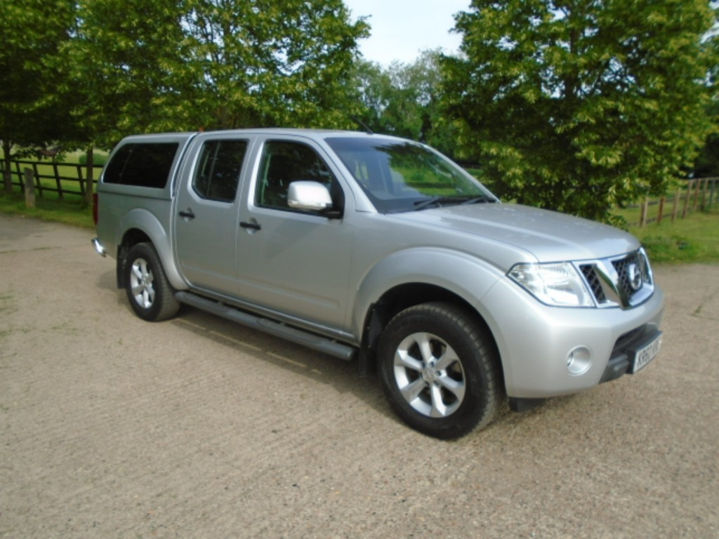 used Nissan Navara DCI ACENTA 4X4 DCB in suffolk