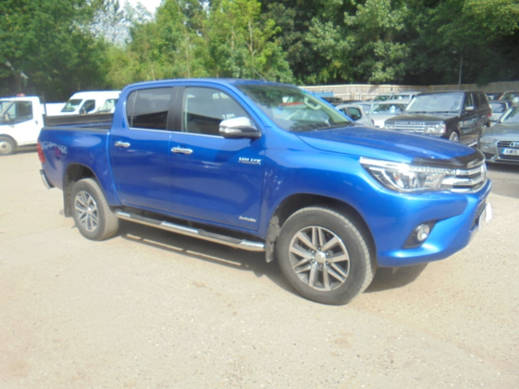 used Toyota Hilux INVINCIBLE 4WD D-4D DCB in suffolk