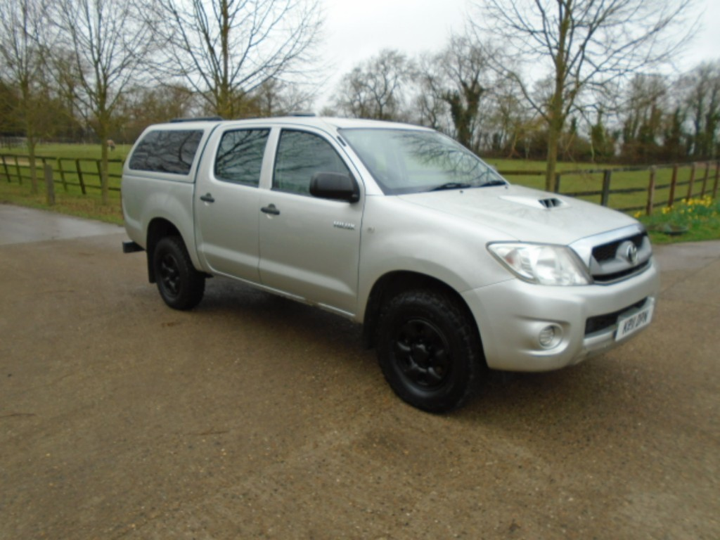 used Toyota Hilux HL2 4X4 D-4D DCB in suffolk