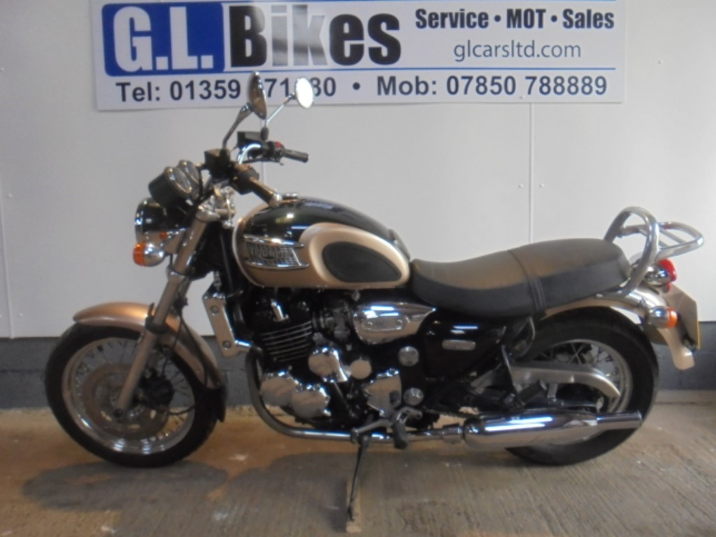 used Triumph Thunderbird 900  in suffolk