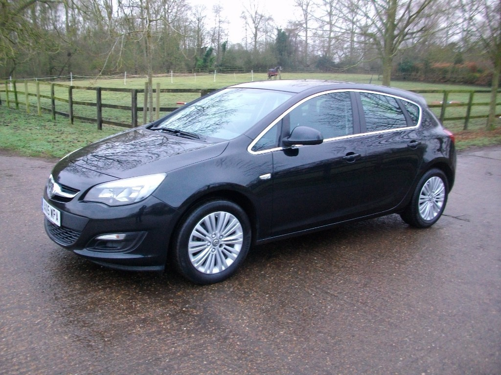 used Vauxhall Astra EXCITE CDTI ECOFLEX S/S in suffolk