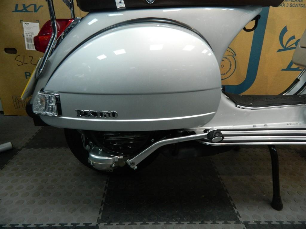 Piaggio Vespa PX150
