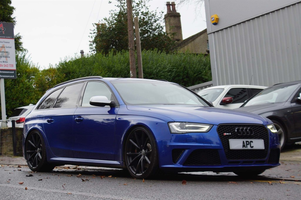 used Audi RS4 Avant TFSI Avant S Tronic quattro 5dr in west-yorkshire