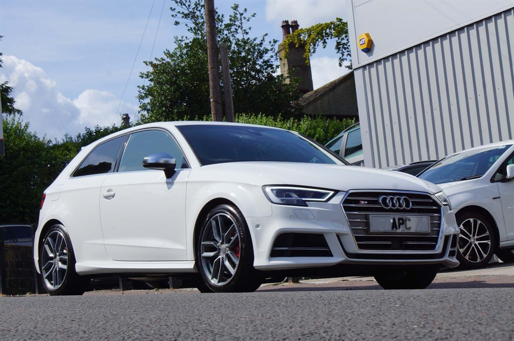 used Audi S3 TFSI S Tronic quattro (s/s) 3dr in west-yorkshire