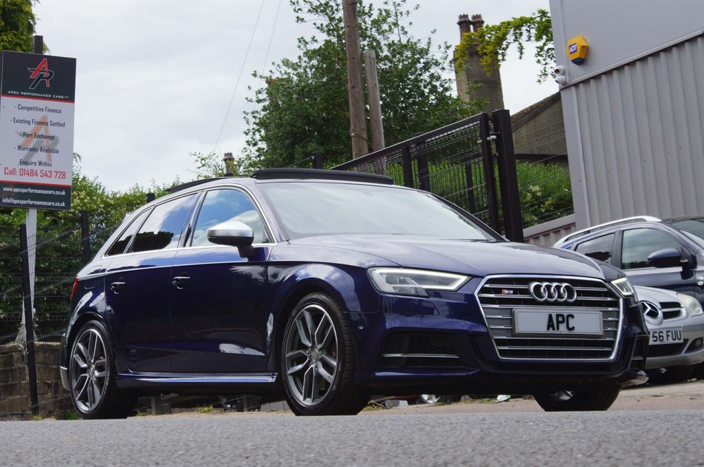 used Audi S3 TFSI Sportback S Tronic quattro (s/s) in west-yorkshire