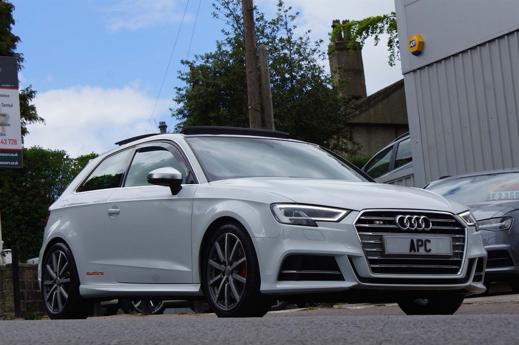 used Audi S3 TFSI S Tronic quattro (s/s) 3dr (Nav) in west-yorkshire