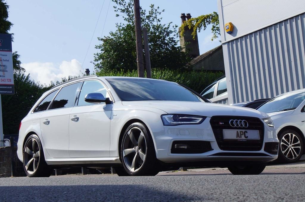 used Audi S4 Avant TFSI V6 Black Edition S Tronic quattro 5dr in west-yorkshire