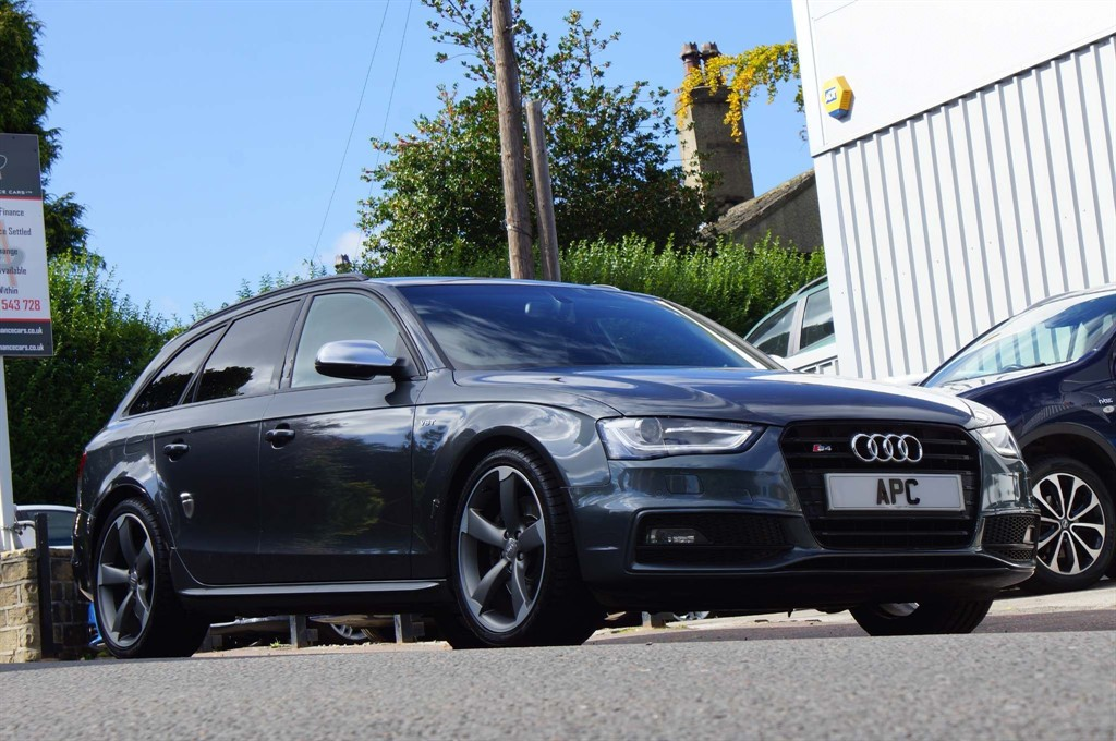 used Audi S4 Avant TFSI Black Edition Avant S Tronic quattro 5dr (Nav) in west-yorkshire