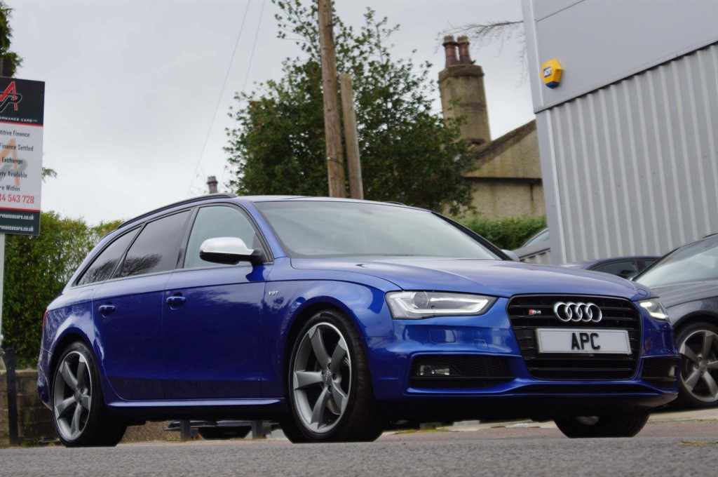 used Audi S4 Avant TFSI Black Edition Avant S Tronic quattro (Nav) in west-yorkshire