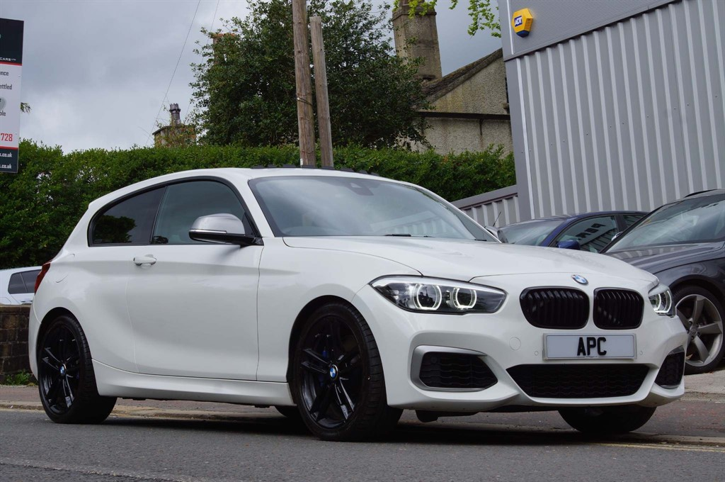 used BMW M140i Shadow Edition Sports Hatch Auto (s/s) in west-yorkshire