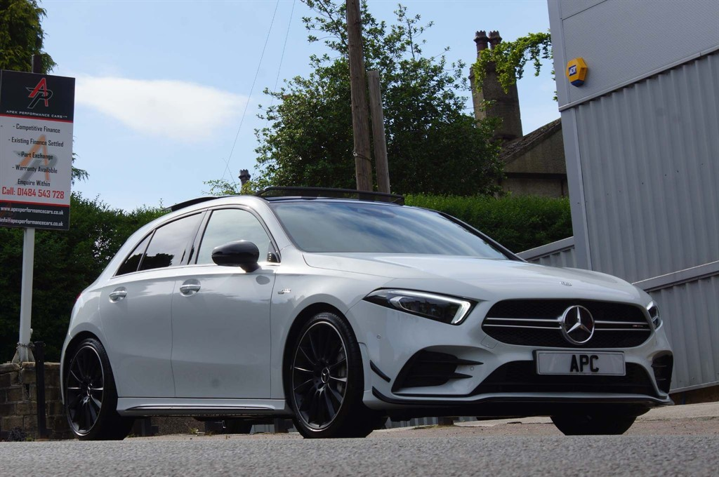 used Mercedes A35 AMG (Premium Plus) SpdS DCT 4MATIC (s/s) in west-yorkshire