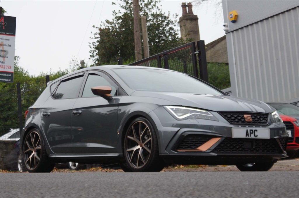 used SEAT Leon Cupra R (s/s) in west-yorkshire