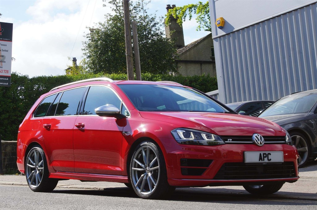 used VW Golf BlueMotion Tech R DSG 4MOTION (s/s) in west-yorkshire