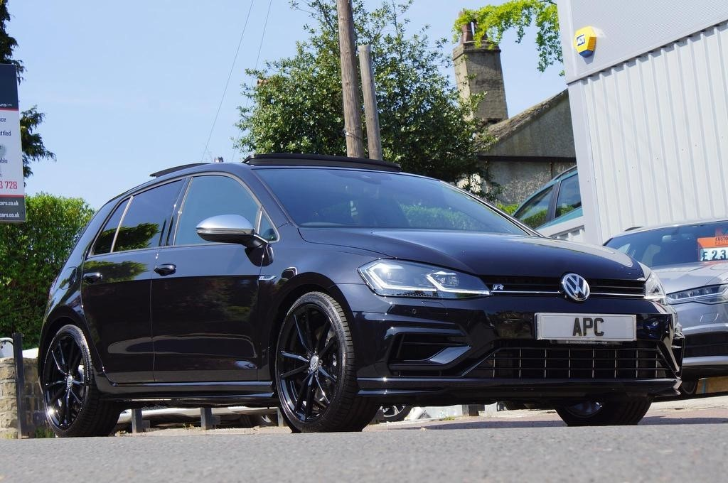 used VW Golf TSI R Hatchback DSG 4MOTION (s/s) 5dr in west-yorkshire