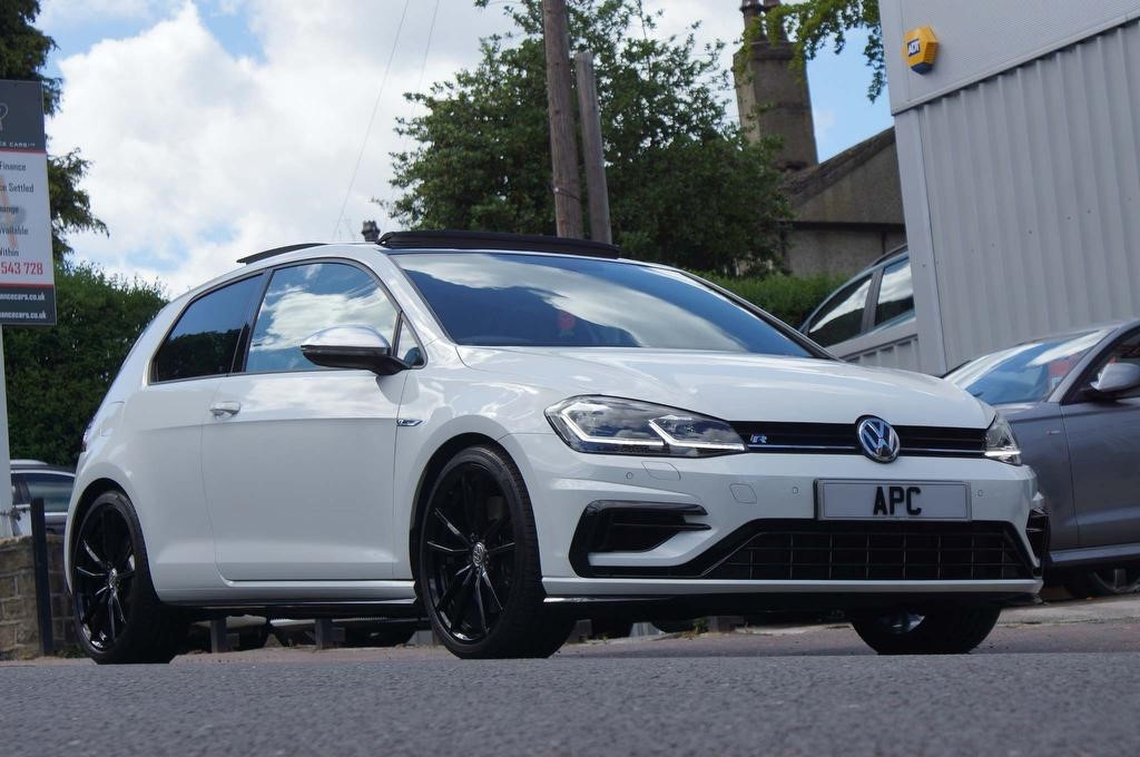 used VW Golf TSI R Hatchback DSG 4MOTION (s/s) 3dr in west-yorkshire