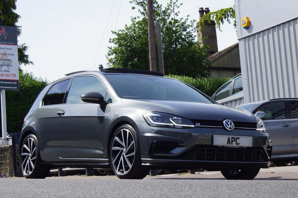 used VW Golf TSI BlueMotion Tech R DSG 4Motion (s/s) 3dr in west-yorkshire