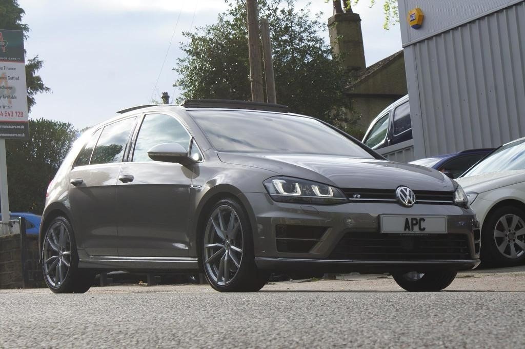 used VW Golf TSI BlueMotion Tech R DSG 4MOTION (s/s) 5dr in west-yorkshire