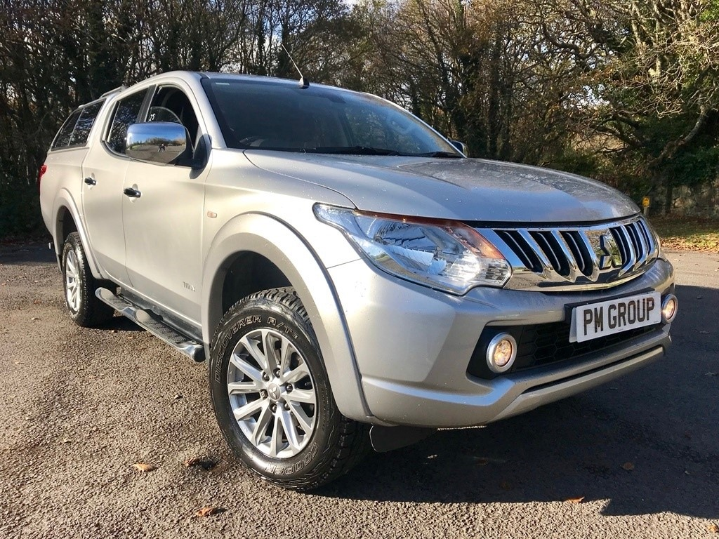used Mitsubishi L200 DI-D Titan Double Cab 4WD 4dr in neath-south-wales