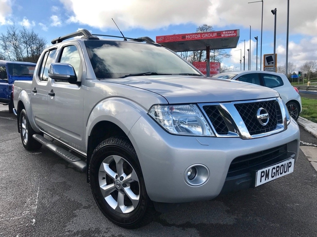 used Nissan Navara dCi Tekna Double Cab Pickup 4dr (EU5) in neath-south-wales