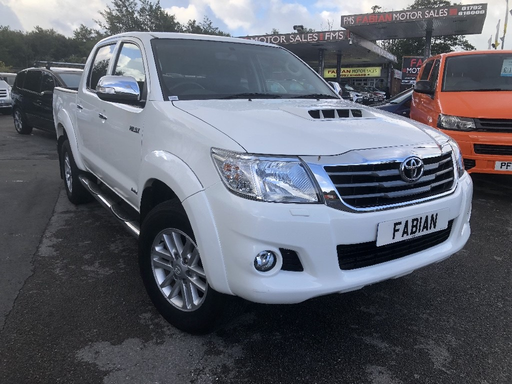 used Toyota Hilux INVINCIBLE 4X4 D-4D DCB in neath-south-wales