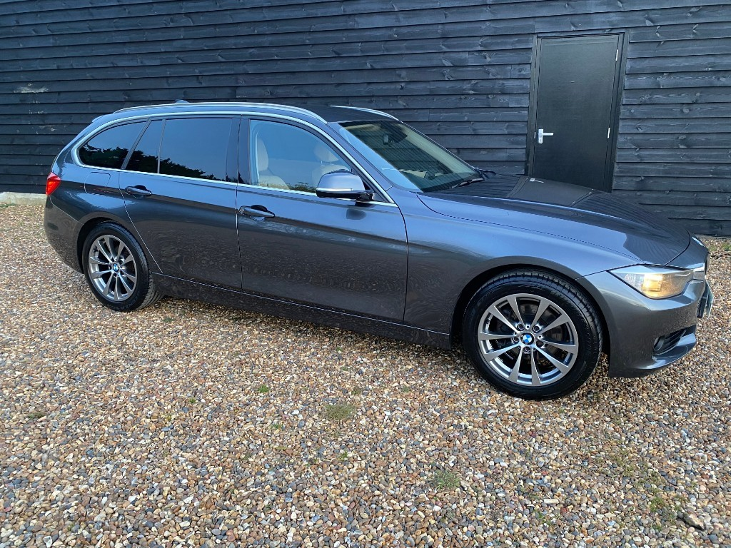 used BMW 320i SE TOURING in essex