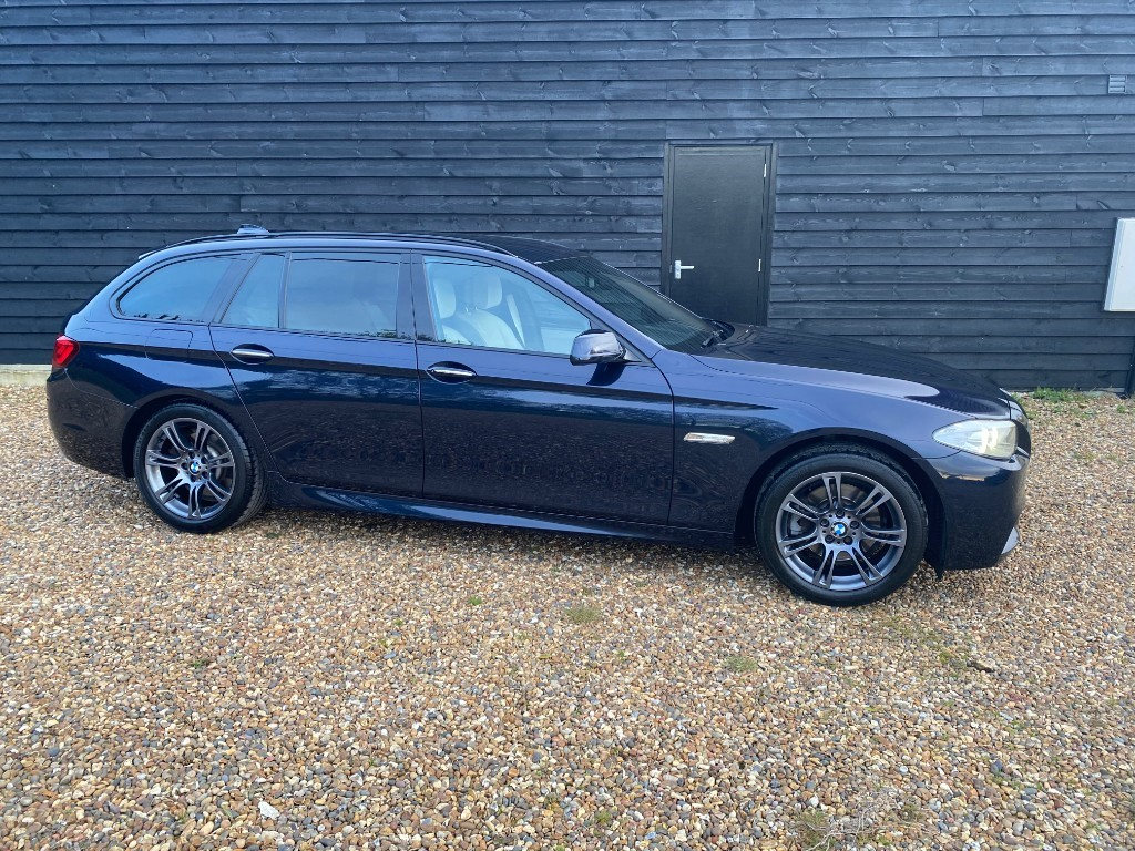 used BMW 520i M SPORT TOURING in essex