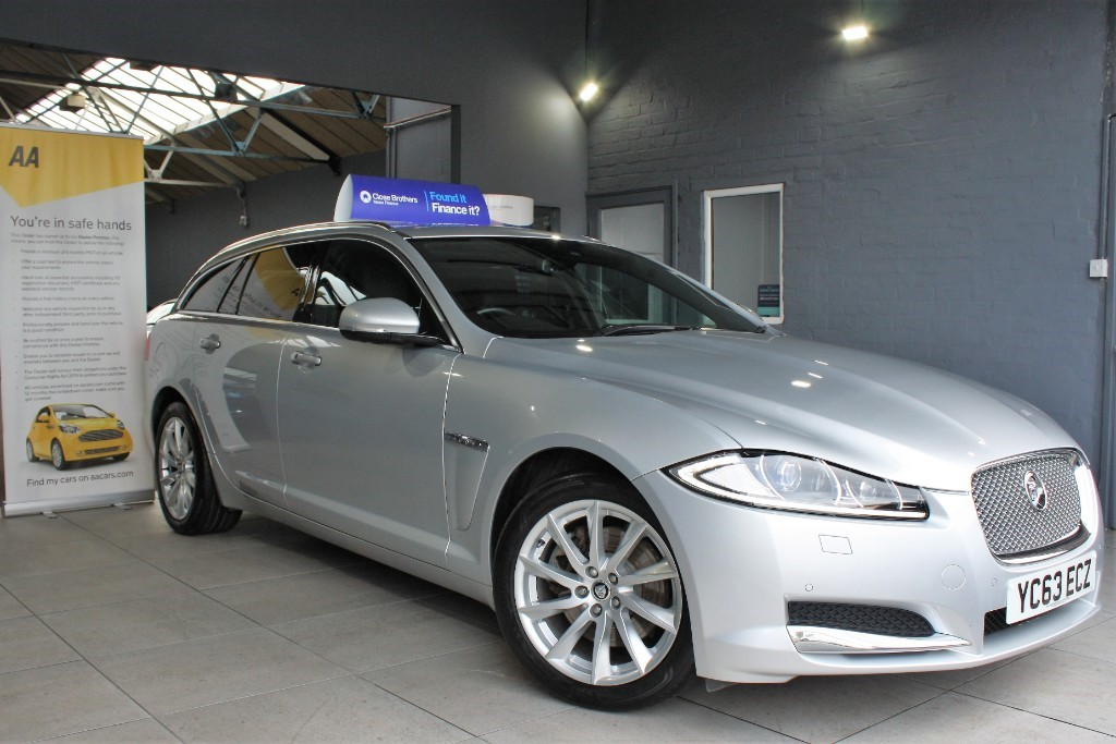 used Jaguar XF D PREMIUM LUXURY SPORTBRAKE in staffordshire
