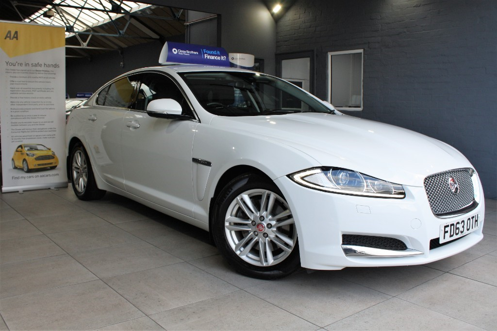 used Jaguar XF D LUXURY in staffordshire