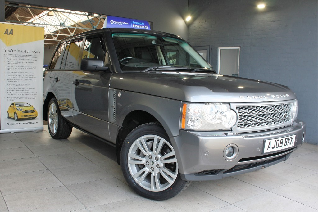 used Land Rover Range Rover TDV8 VOGUE SE in staffordshire