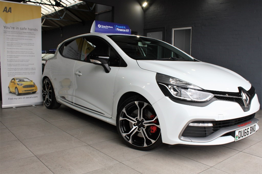 used Renault Clio RENAULTSPORT NAV TROPHY in staffordshire