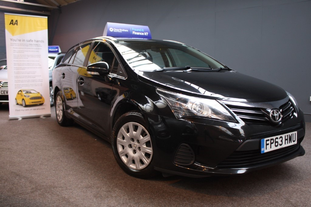 used Toyota Avensis D-4D ACTIVE in staffordshire